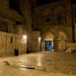 Mitternacht vor der Grabeskirche