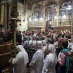 Vor dem Heiligen Grab