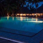 Swimming-Pool und Speisesaal