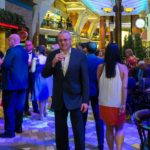 "Allure of the Seas: Auf der Royal Promenade. ""Formeller"" Abend"