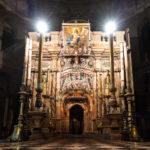Das Heilige Grab vor dem griechisch-orth. Gottesdienst