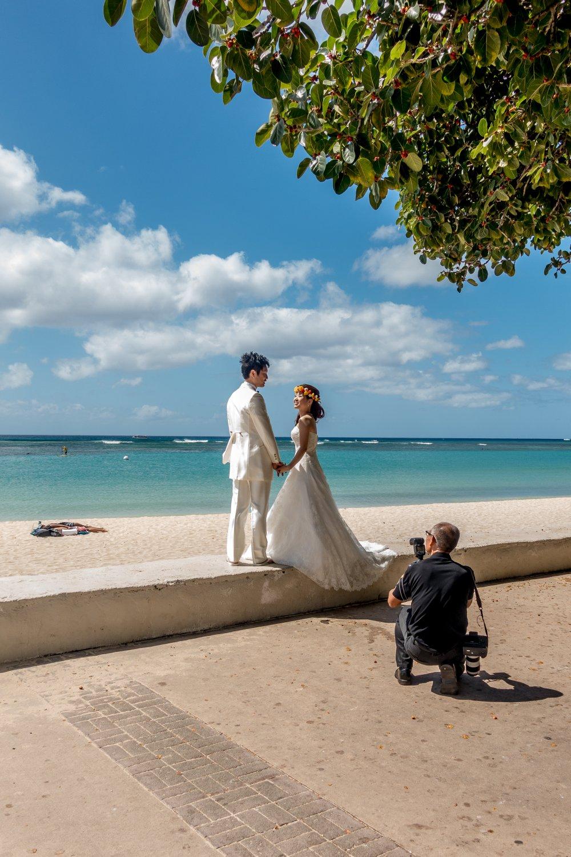Oahu, Honolulu, Ala Moana Beach Park, Brautpaar