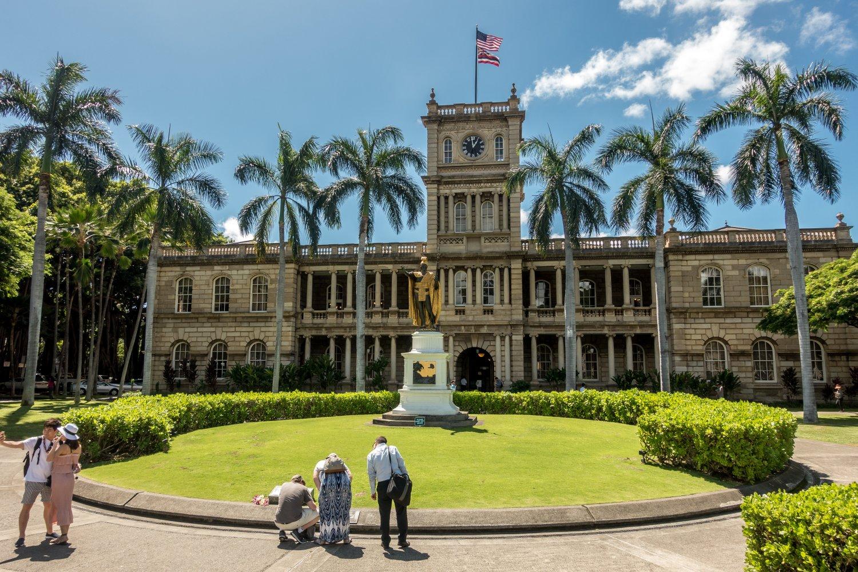 Oahu, Honolulu, Aliiolani Hale, Statue von König Kamehameha