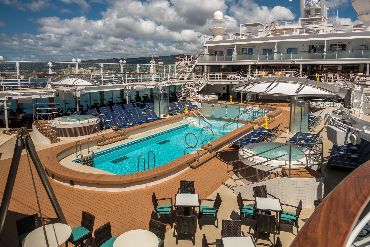 NCL Pride of America, Pooldeck