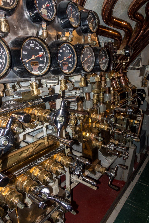 USS Bowfin, Zentrale