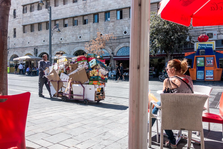 Vor dem Mahane Yehuda Markt