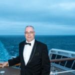 QM2 - Der Autor im Smoking (Tuxedo) ?ber dem Achterschiff