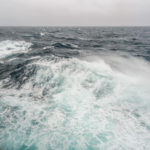 QM2 - Raue See und Windst?rke 9