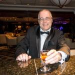 Coral Princess: Der Autor mit einem Single Malt Whisky in der Wheelhouse Bar