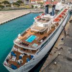 "Aruba, Oranjestad: Scientology-Schiff ""Freewinds"""