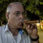 Vinales - Der Autor beim Zigarrerauchen