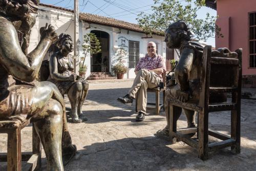 Camagüey - Der Autor inmitten von Kunst