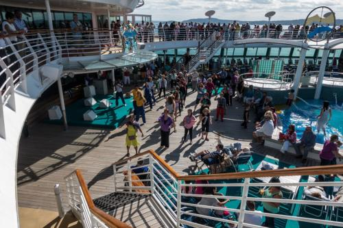 Jewel of the Seas: Zumba auf dem Pool-Deck