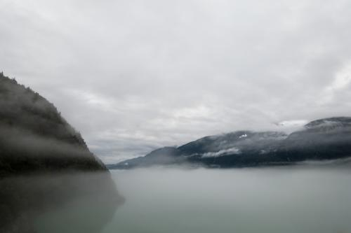 Morgennebel in Skagway