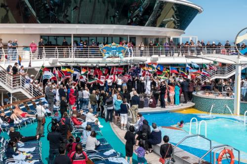 Flaggenparade auf der Jewel of the Seas