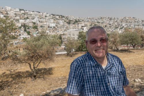 Hebron - Der Autor vor der Machpela (Gräber der Patriarchen)