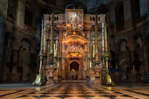 Das Heilige Grab in der Nacht