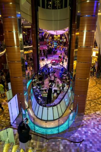 Allure of the Seas: Rising Tide Bar