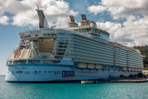 Die Oasis of the Seas in St. Thomas
