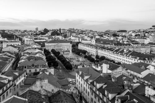 Blick auf den Rossio-Platz vom Elevador de Santa Justa