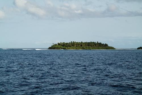 Brandung am Atoll