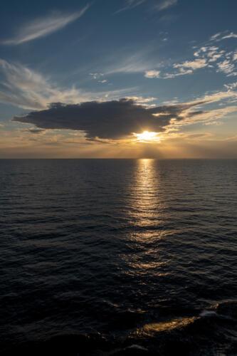 Sonnenuntergang vor Warnemünde