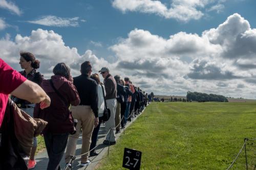 Menschen vor Stonehenge