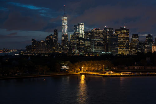 QM2 - Governors Island und Manhattan