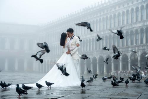 Brautpaar auf der Piazza San Marco