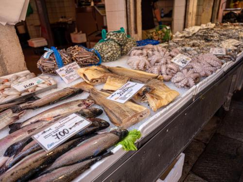 Rialto-Fischmarkt - Stockfisch für Baccalà Mantecato